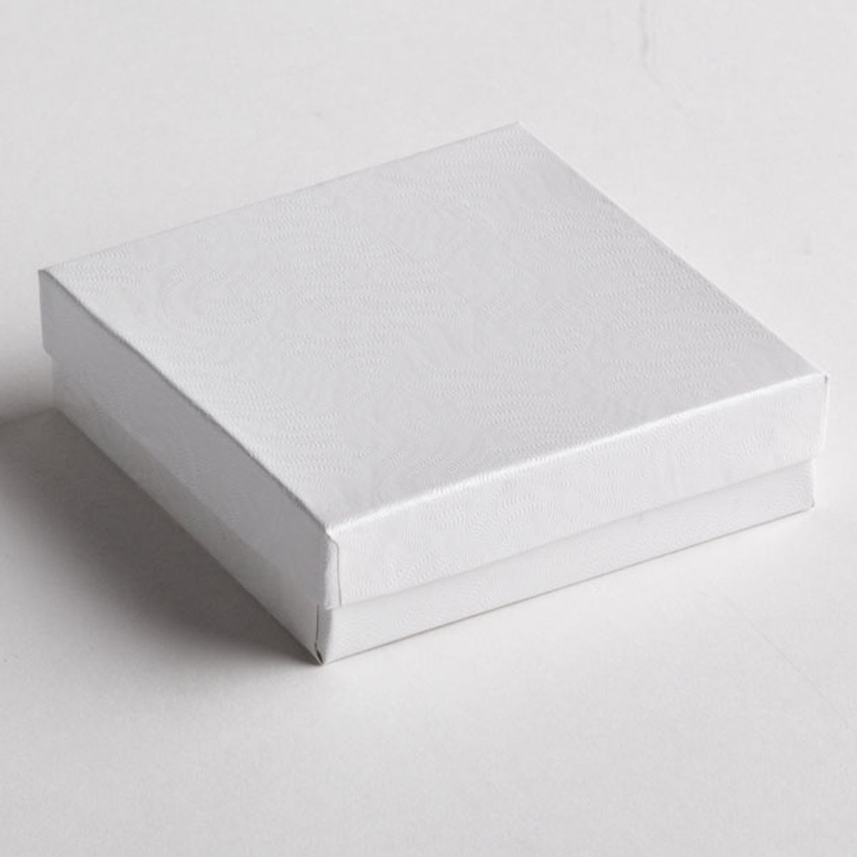 White Swirl Bracelet Boxes